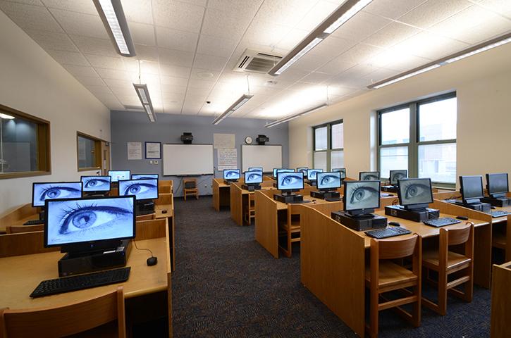 School-17-Classroom-Computer Room