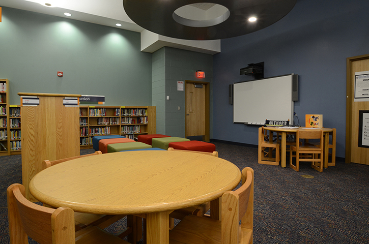 School-17-Classroom-Library 2