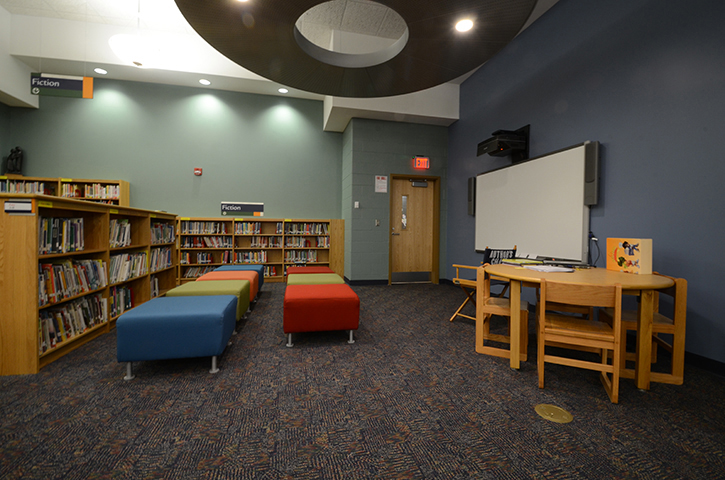 School-17-Classroom-Library -3